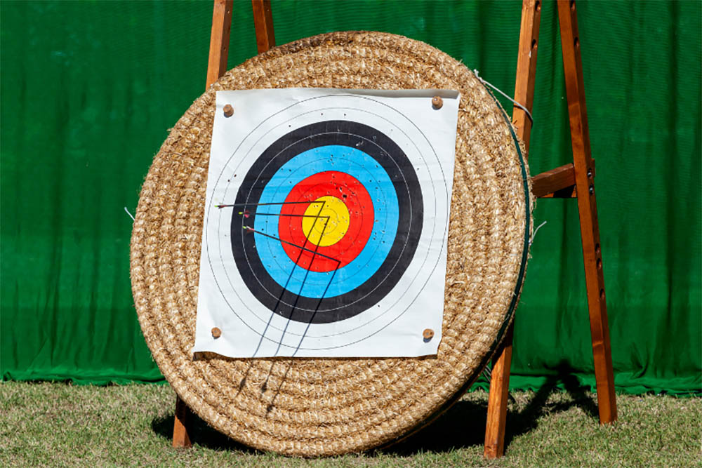 How do you keep score in archery