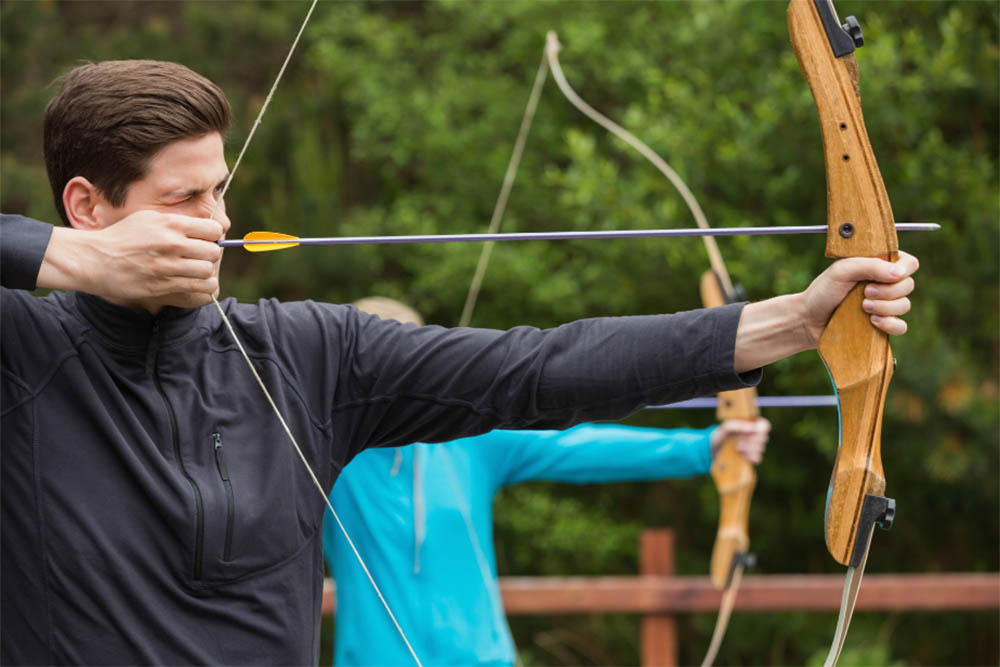 What is the draw weight of a bow in archery